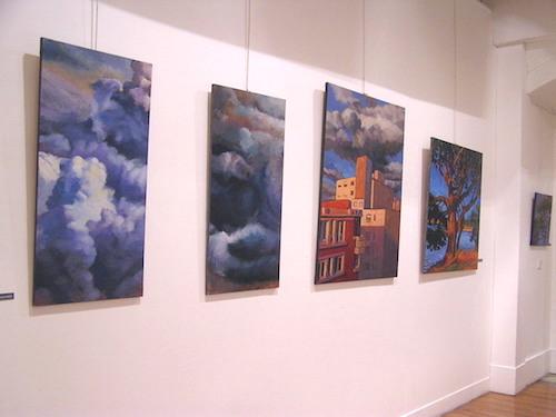 tableaux d'Hélène Courtois-Redouté représentant des nuages, ciels, immeubles