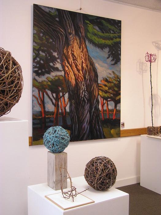 peinture tronc d'arbre et boules de ronces en bronze