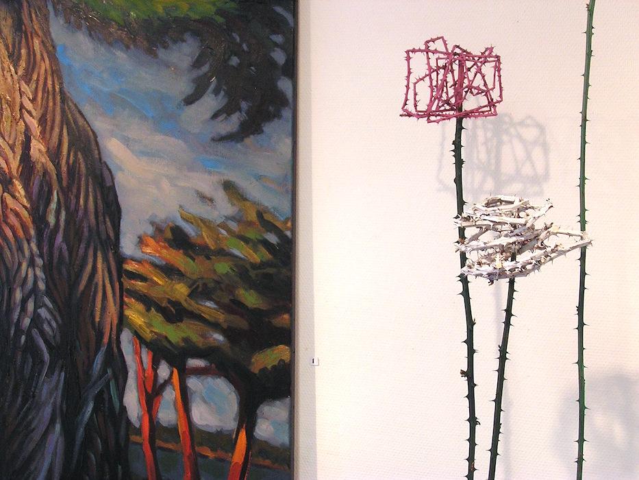 peinture arbre et sculpture de ronce en bronze