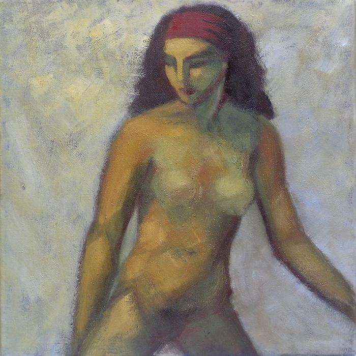 nu féminin sur fond gris, cheveux longs et bandeau rouge